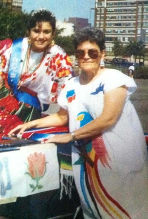 <div class='meta'><div class='origin-logo' data-origin='KTRK'></div><span class='caption-text' data-credit=''>ABC13 reporter Elissa Rivas with her mother at the Cinco de Mayo Parade in Dallas</span></div>
