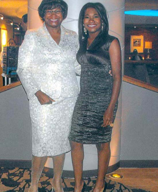 <div class='meta'><div class='origin-logo' data-origin='none'></div><span class='caption-text' data-credit=''>ABC13 anchor Samica Knight with her mother</span></div>