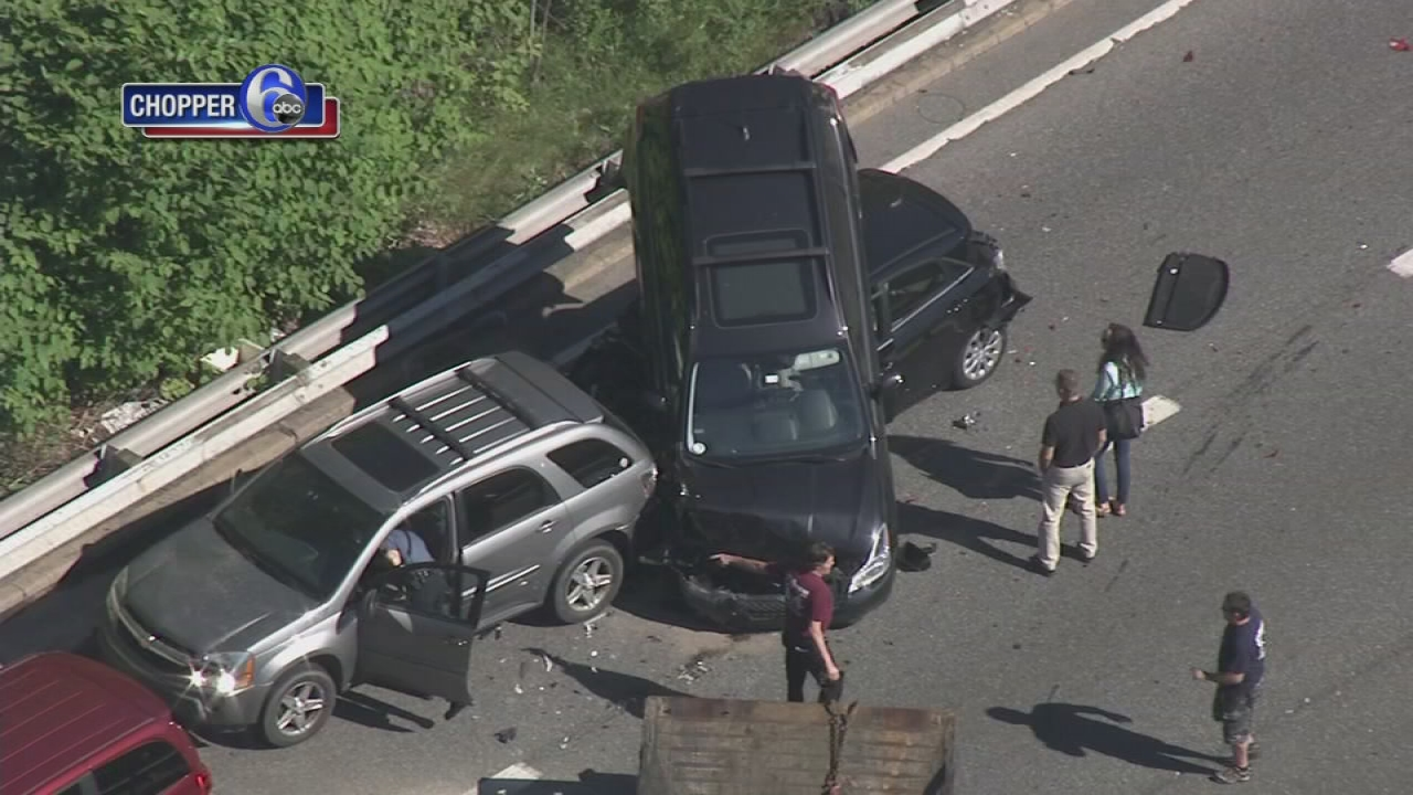 Six vehicles collide on Interstate 95 in Wilmington | 6abc.com