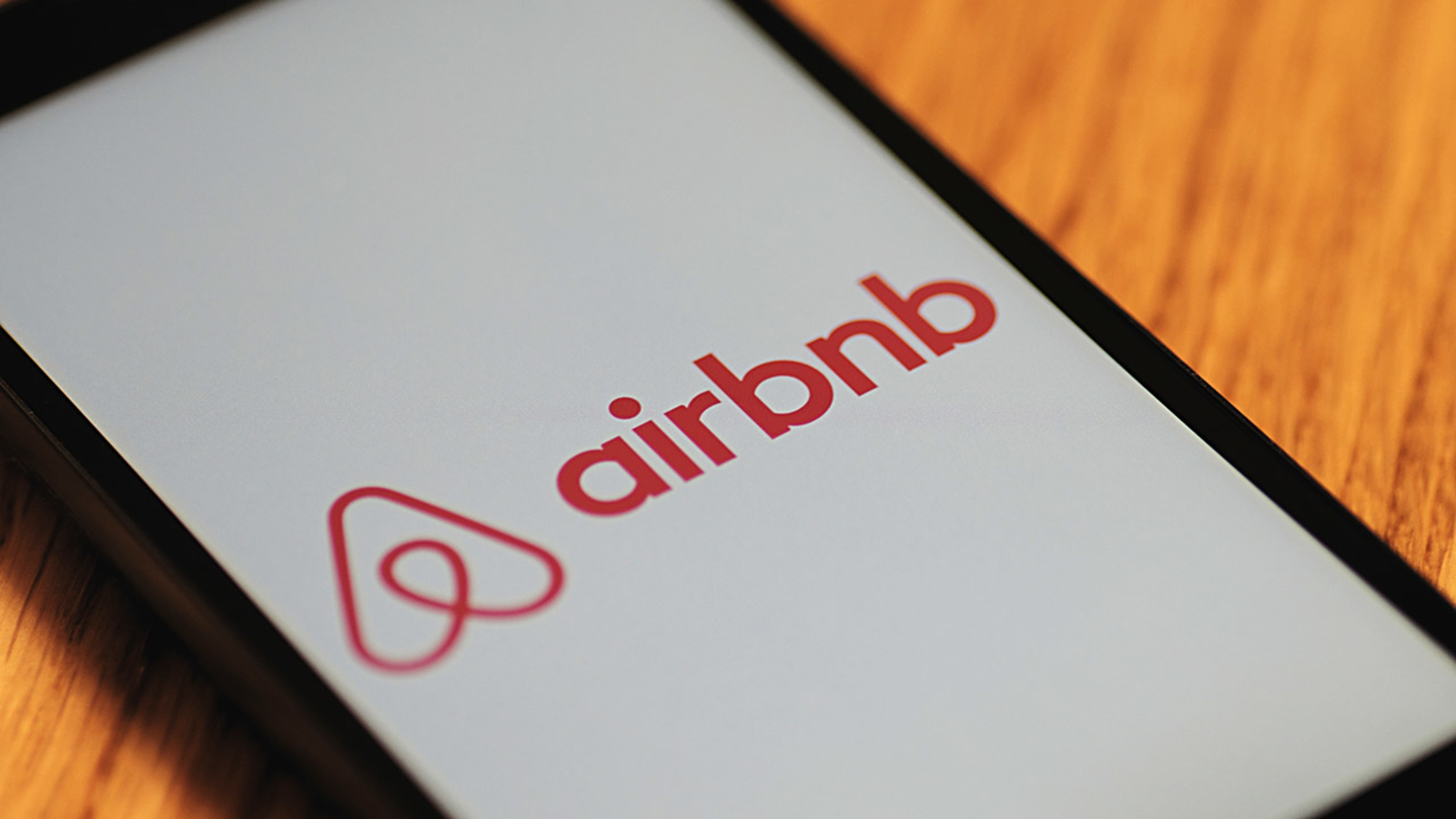 Man vacationing in Florida finds hidden cameras in his Airbnb | abc7news.com