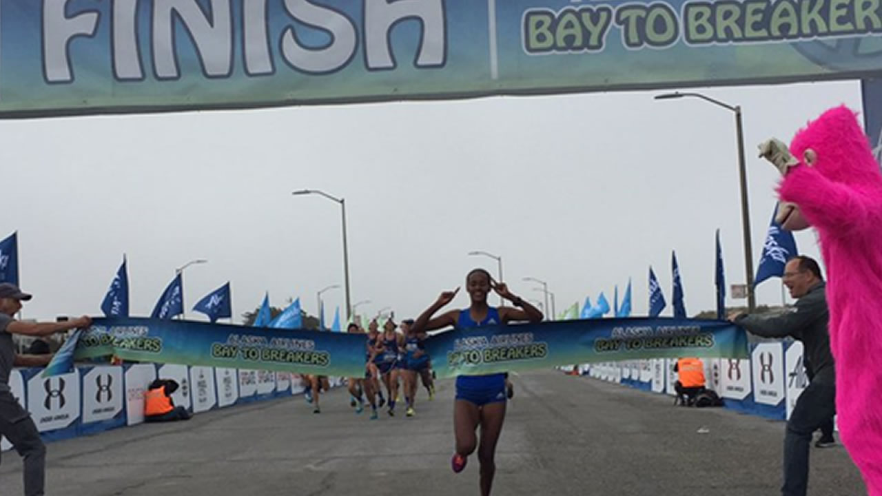 """<div class=""""meta image-caption""""><div class=""""origin-logo origin-image none""""><span>none</span></div><span class=""""caption-text"""">Buze Diriba wins Bay to Breaker for women with a time of 39:48 at the 106th Bay to Breakers in San Francisco on Sunday May 21, 2017. (Bay to Breakers)</span></div>"""