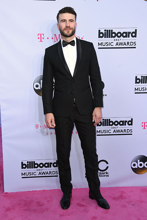 "<div class=""meta image-caption""><div class=""origin-logo origin-image none""><span>none</span></div><span class=""caption-text"">Sam Hunt arrives at the Billboard Music Awards at the T-Mobile Arena on Sunday, May 21, 2017, in Las Vegas. (Richard Shotwell/Invision/AP)</span></div>"