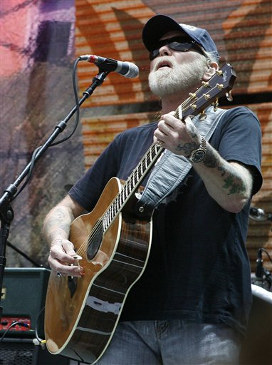 """<div class=""""meta image-caption""""><div class=""""origin-logo origin-image ap""""><span>AP</span></div><span class=""""caption-text"""">** FILE **  Gregg Allman of the The Allman Brothers Band performs at Farm Aid on Randall's Island in this Sept. 9, 2007, file photo in New York. (AP)</span></div>"""