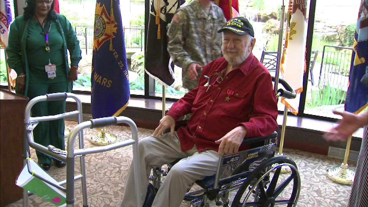Korean War vet receives Bronze Star