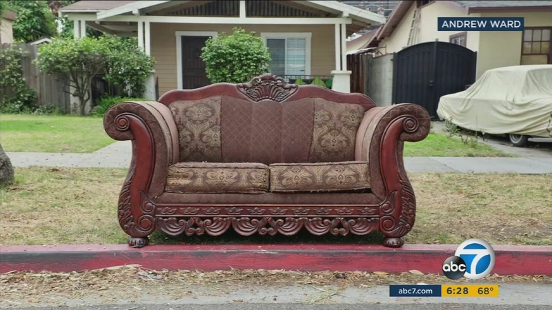 Photographer Captures Curbside Sofas