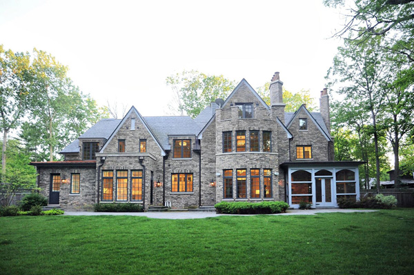 """<div class=""""meta image-caption""""><div class=""""origin-logo origin-image none""""><span>none</span></div><span class=""""caption-text"""">Former Bears quarterback Jay Cutler and his wife Kristin Cavallari have listed their Lake Forest mansion for $4.75 million. (Courtesy of Larry Hitz/Berkshire Hathaway)</span></div>"""