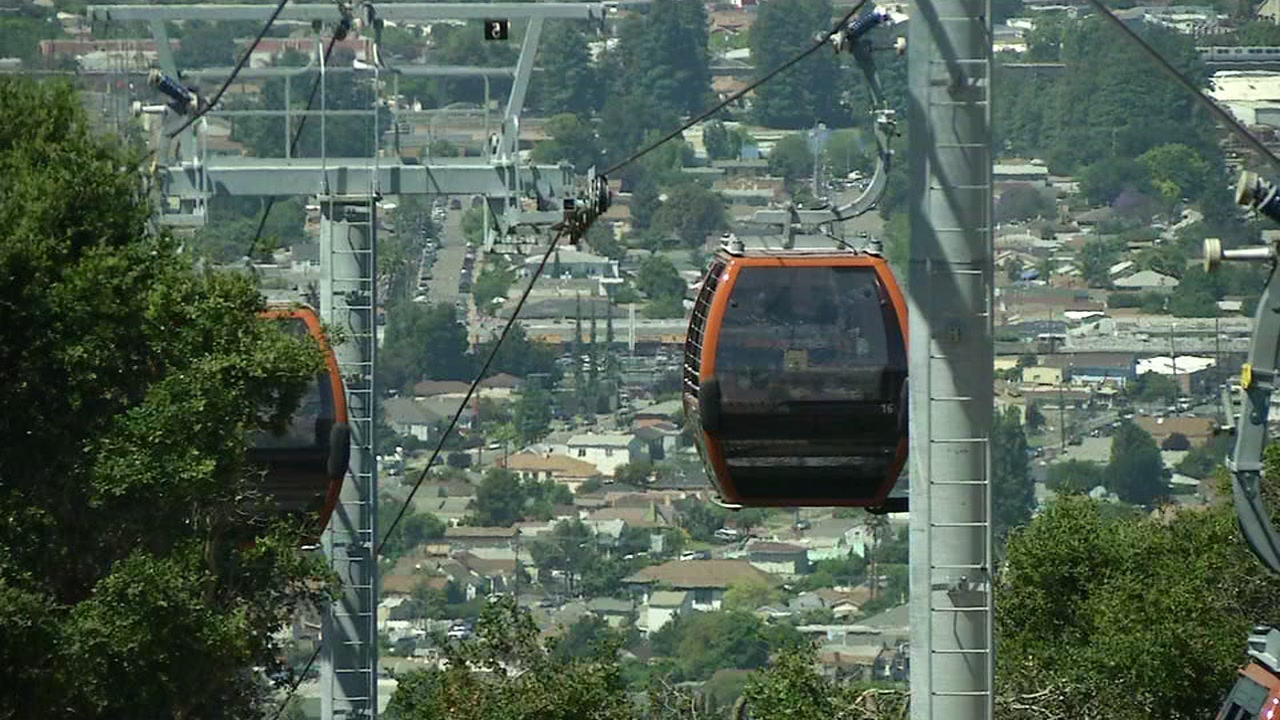 A glitch has delayed the grand opening of the new gondola and restaurant at the Oakland Zoo.