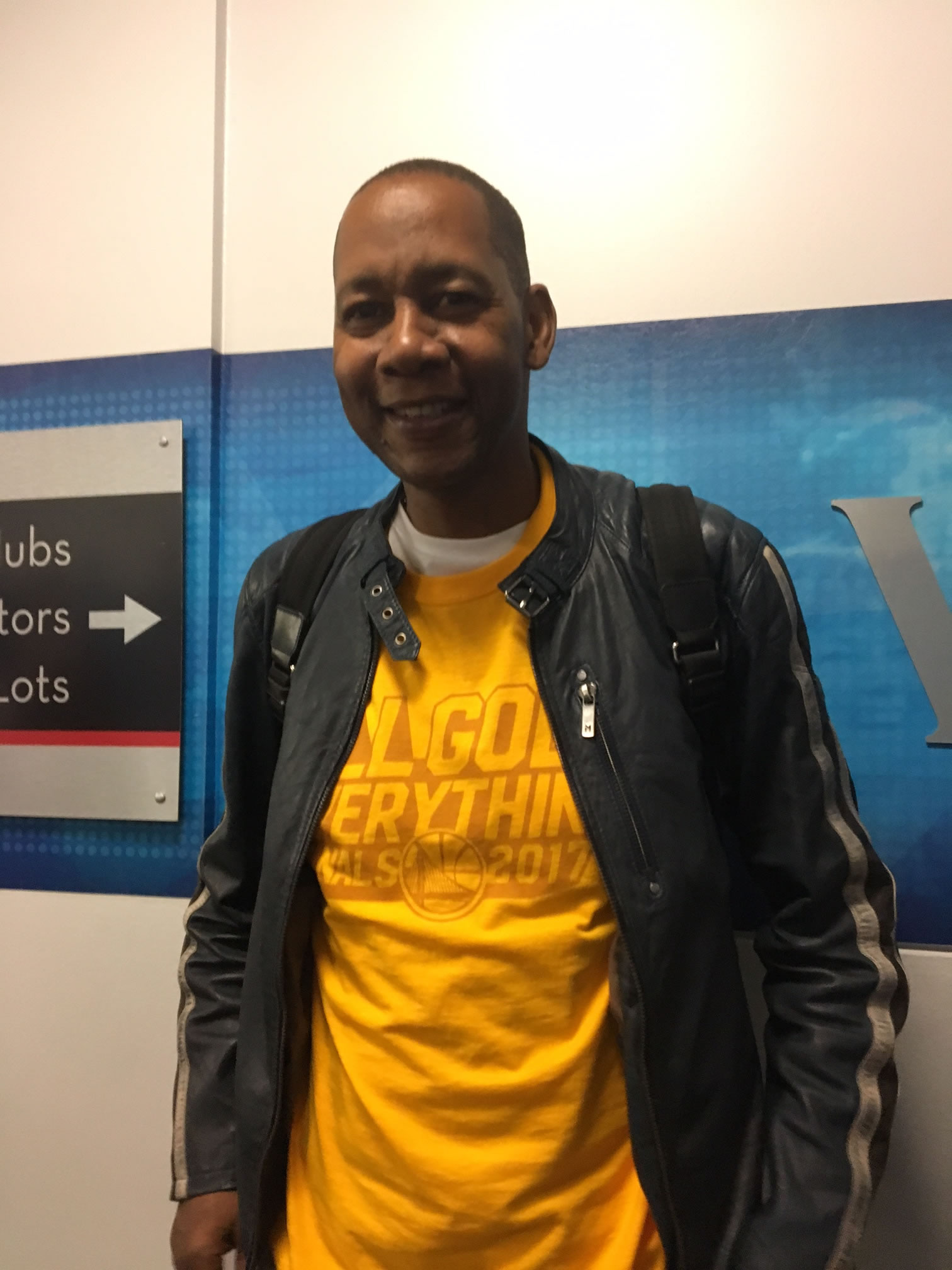 "<div class=""meta image-caption""><div class=""origin-logo origin-image none""><span>none</span></div><span class=""caption-text"">Oakland native and former ""Hangin' with Mr. Cooper"" star Mark Curry hangs out near the Warriors tunnel after game 2 of the NBA Finals Oakland, Calif. on Sunday, June 4, 2017.</span></div>"