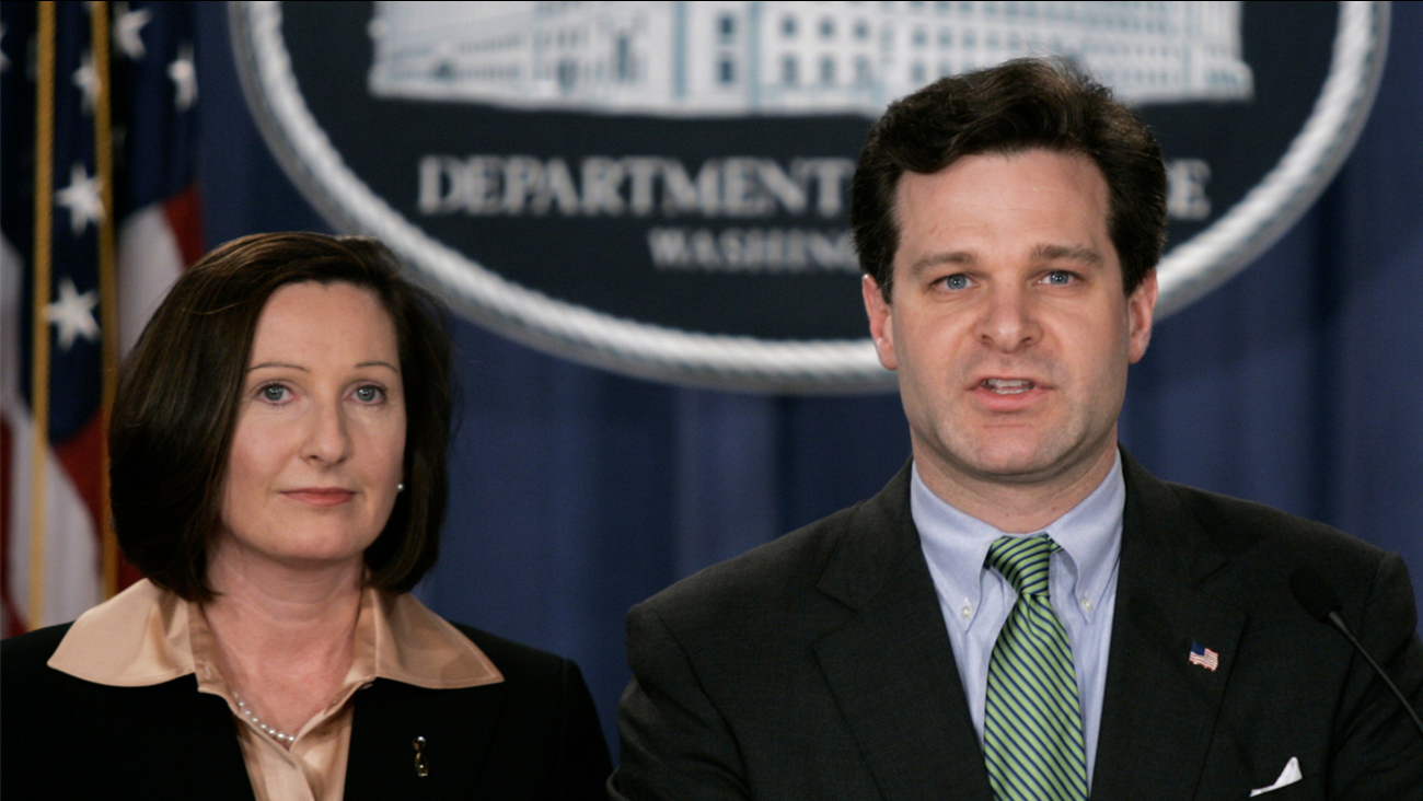 Assistant Attorney General, Christopher Wray, right, and Director of the Executive Office for U.S. Attorneys, Mary Beth Buchanan, hold a press conference, Wednesday, Jan. 12, 2005.