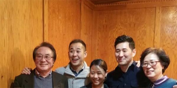 <div class='meta'><div class='origin-logo' data-origin='none'></div><span class='caption-text' data-credit=''>CeFaan Kim and his dad YoAn Kim (left) and rest of his family:  GieFaan Kim (Brother), Grace Kim. (Wife)  Eunyoun Kim (Mom).</span></div>