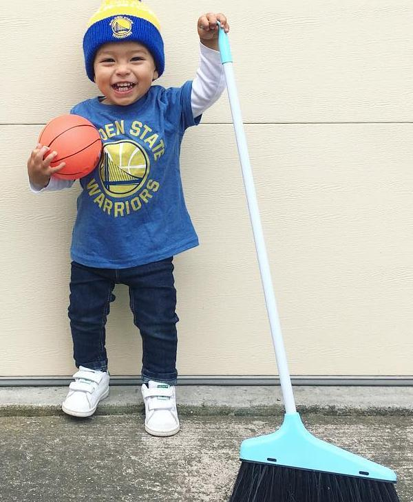 <div class='meta'><div class='origin-logo' data-origin='none'></div><span class='caption-text' data-credit=''>Dub Nation is showing Golden State pride by sending their photos to ABC7 with #DubsOn7. Go Warriors!</span></div>
