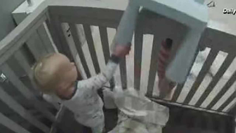 VIDEO: Toddler frees brother from crib