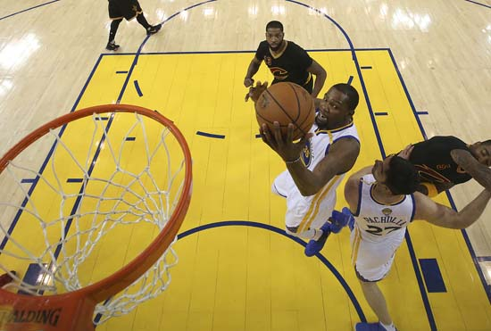 "<div class=""meta image-caption""><div class=""origin-logo origin-image ap""><span>AP</span></div><span class=""caption-text"">Golden State Warriors forward Kevin Durant shoots against the Cleveland Cavaliers during the first half. (Ezra Shaw/Pool Photo via AP) (AP)</span></div>"