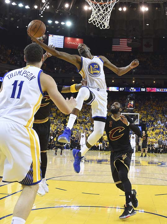 "<div class=""meta image-caption""><div class=""origin-logo origin-image ap""><span>AP</span></div><span class=""caption-text"">Golden State Warriors forward Kevin Durant (35) shoots against the Cleveland Cavaliers during the first half. (Kyle Terada/Pool Photo via AP) (AP)</span></div>"