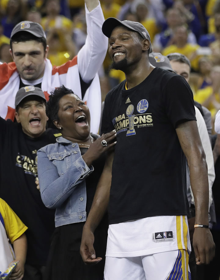 """<div class=""""meta image-caption""""><div class=""""origin-logo origin-image none""""><span>none</span></div><span class=""""caption-text"""">Warriors' Kevin Durant, right, celebrates with his mother Wanda Durant as he is named the NBA Finals Most Valuable Player after Game 5 in Oakland, Calif. on June 12, 2017. (AP Photo/Marcio Jose Sanchez)</span></div>"""