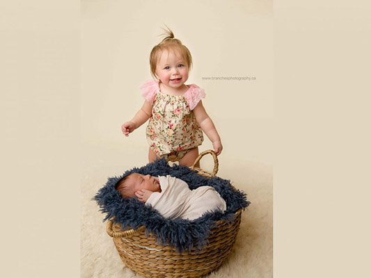 Baby born in grocery store gets cute photoshoot