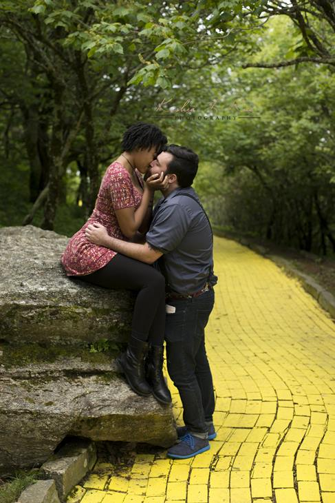 "<div class=""meta image-caption""><div class=""origin-logo origin-image none""><span>none</span></div><span class=""caption-text"">This couple is over the rainbow about starting their journey down the Yellow Brick Road. (Credit: Keshia L. Rice Photography)</span></div>"