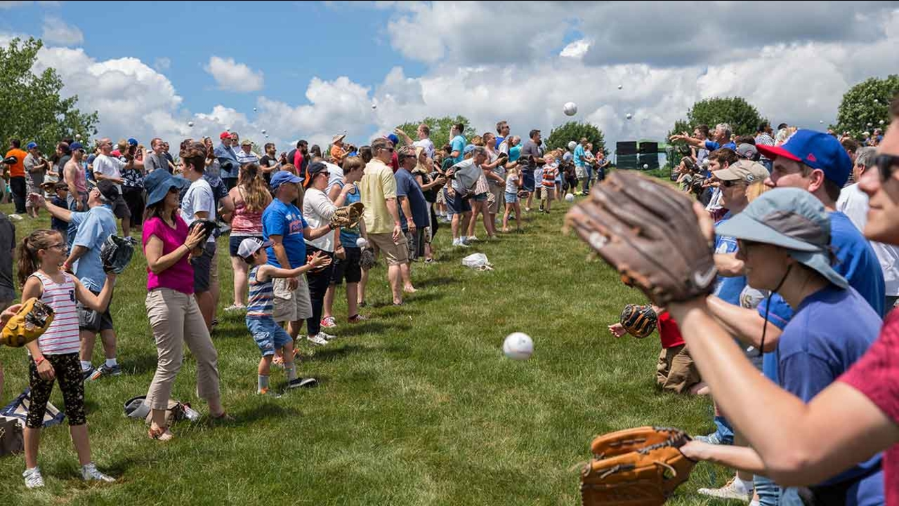GUINNESS WORLD RECORDS title for the Largest Game of Catch