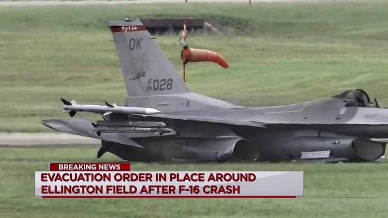 Pilot ejects self from burning F-16 near Ellington Field