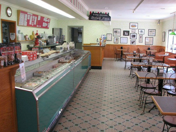 """<div class=""""meta image-caption""""><div class=""""origin-logo origin-image """"><span></span></div><span class=""""caption-text"""">2. Dietsch Brothers Inc., Findlay, Ohio: This sweet shop prides itself on quality over quantity, serving up ice cream and candy made from the finest ingredients. (Photo/TripAdvisor.com)</span></div>"""