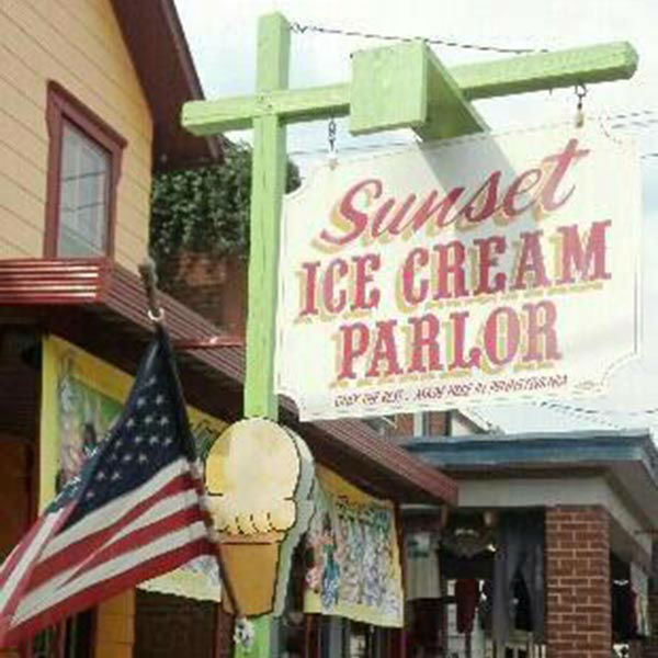 """<div class=""""meta image-caption""""><div class=""""origin-logo origin-image """"><span></span></div><span class=""""caption-text"""">10. Sunset Icecream Parlor, Gettysburg, Pennsylvania: Travelers can satisfy their sweet cravings by indulging in one of this shop's history-inspired creations. (Photo/TripAdvisor.com)</span></div>"""