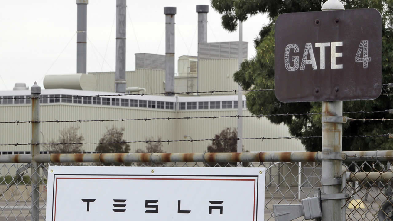 Tesla Motors said it is preparing a site near Reno, Nevada, as a possible location for its new battery factory, but is still evaluating other sites.