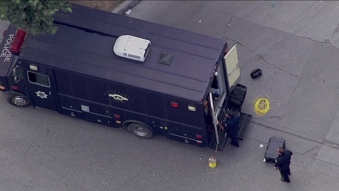 Bomb squad responds to suspicous device at recycling plant in San Jose