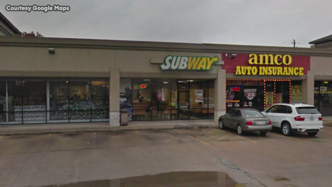 Robbery suspect holed up in Subway bathroom