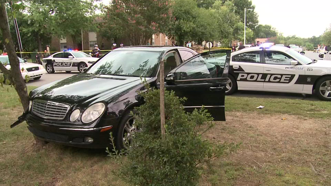 Man seriously wounded in Durham apartment complex shooting