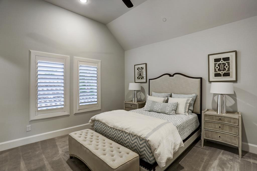 <div class='meta'><div class='origin-logo' data-origin='KTRK'></div><span class='caption-text' data-credit='John Daugherty Realtors'>Award winning home on the market in Bellaire</span></div>
