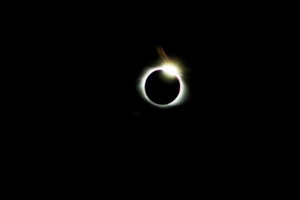 "<div class=""meta image-caption""><div class=""origin-logo origin-image none""><span>none</span></div><span class=""caption-text"">My son took this awesome photo of the eclipse today! (Credit: KristyThomp048/Twitter)</span></div>"