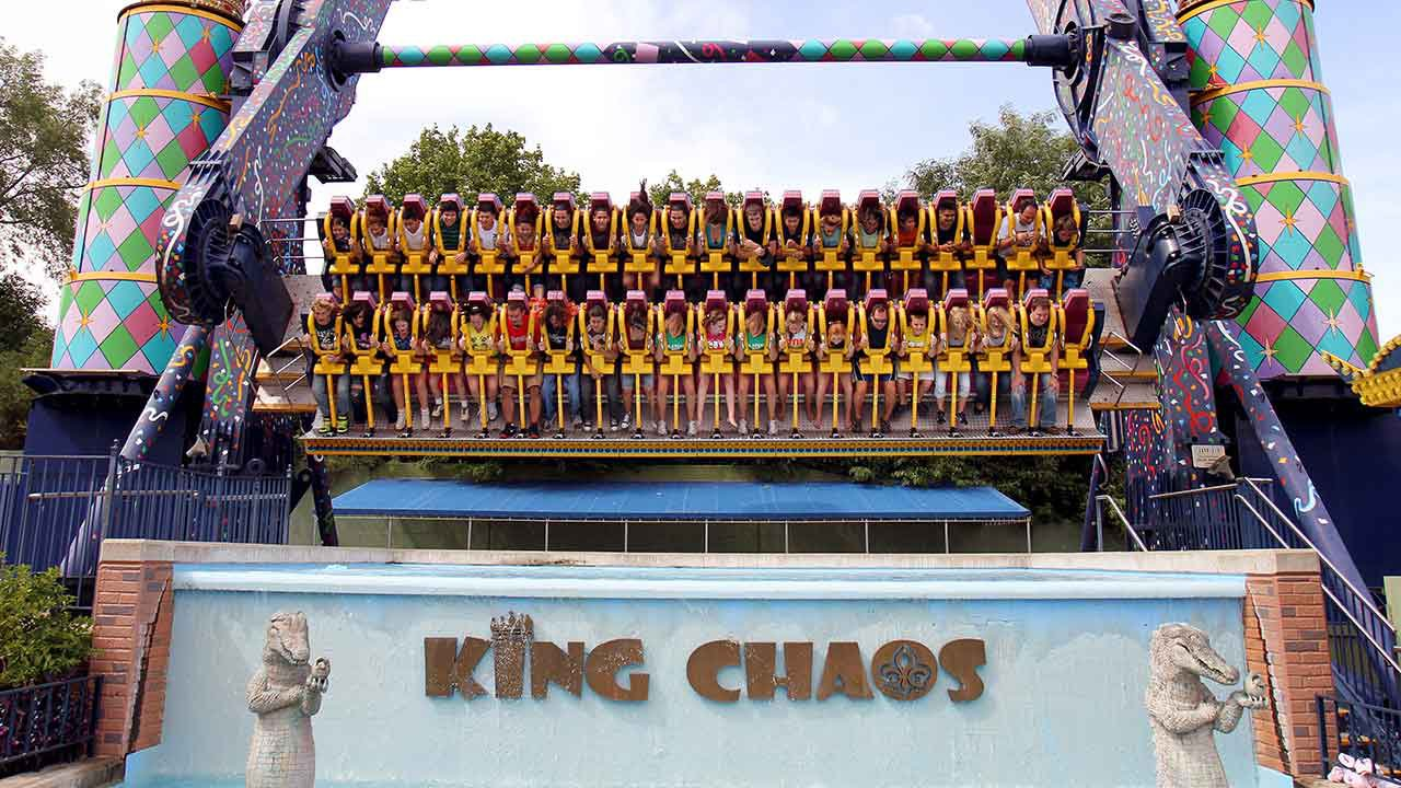 Six Flag's 'King Chaos' ride