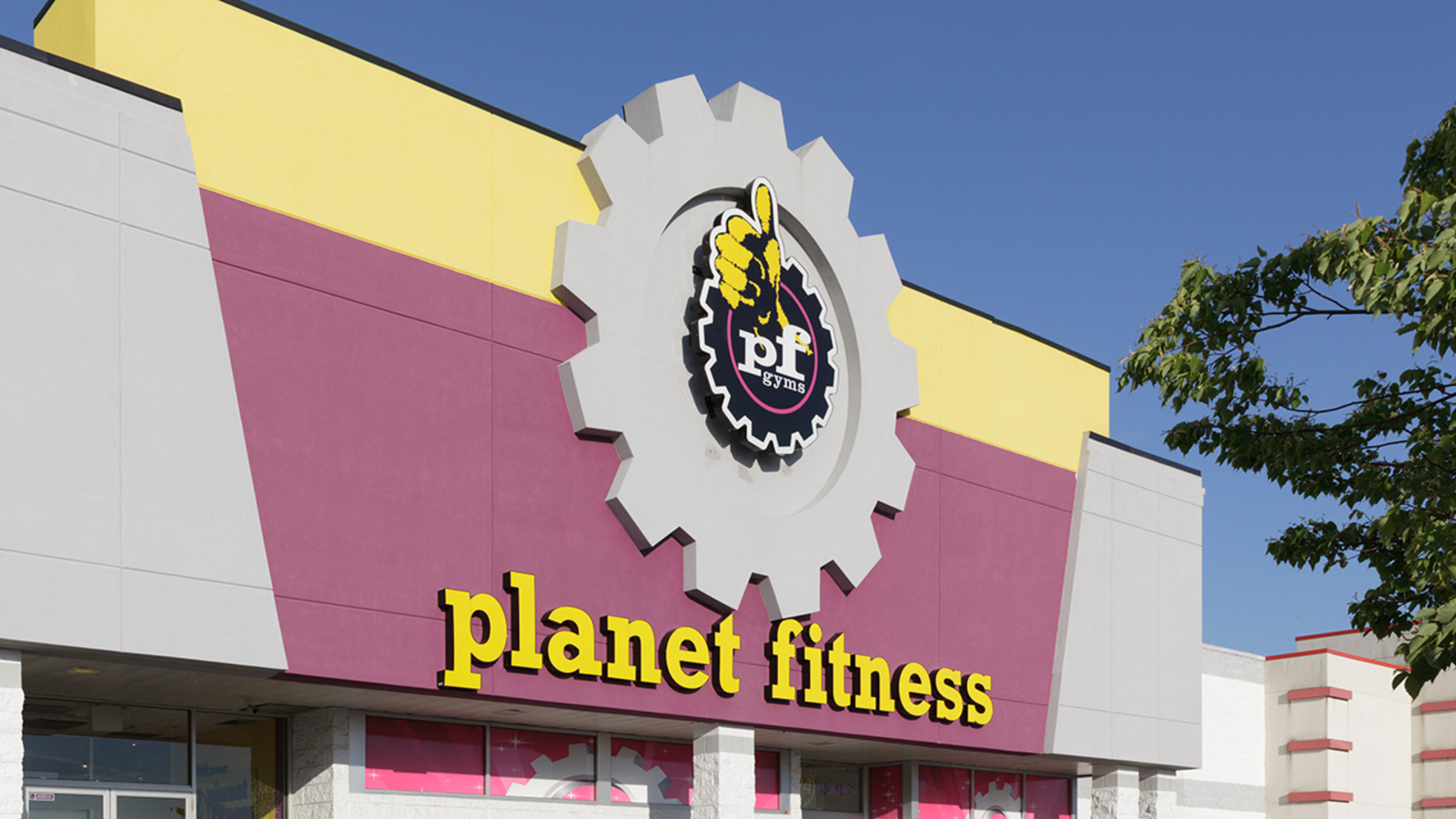 Planet Fitness Opens Houston Area Locations For Harvey Victims Abc7 Los Angeles