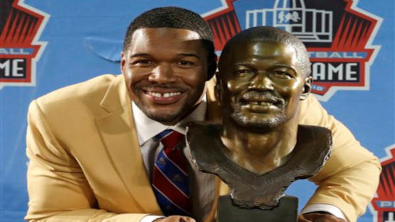 dec6c6d99e2 Giants DE Michael Strahan inducted into Pro Football Hall of Fame ...