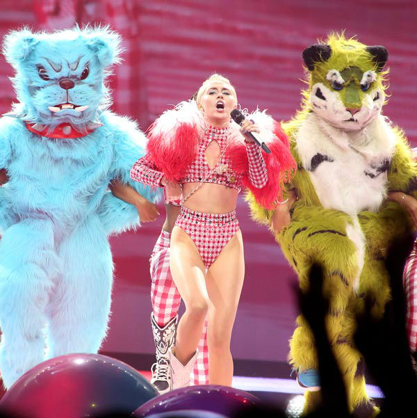 """<div class=""""meta image-caption""""><div class=""""origin-logo origin-image """"><span></span></div><span class=""""caption-text"""">Singer Miley Cyrus performs in concert during her 'Bangerz Tour' at the Wells Fargo Center on Saturday, August 2, 2014, in Philadelphia. (Photo/Owen Sweeney)</span></div>"""