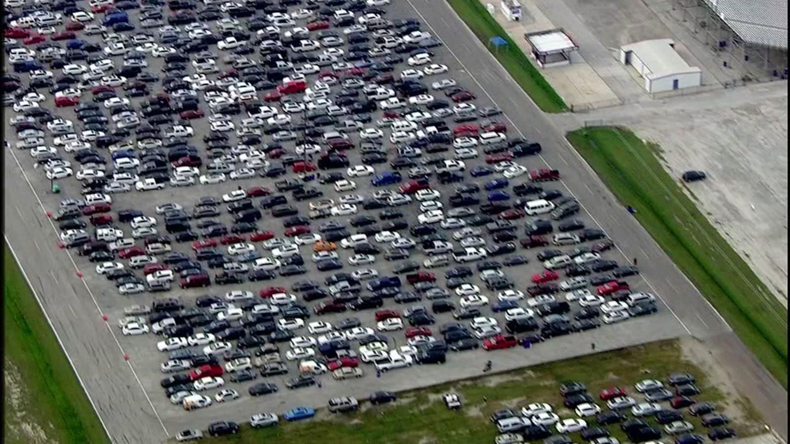 Honda Dealership Houston >> Thousands of inoperable vehicles being sent to Baytown ...