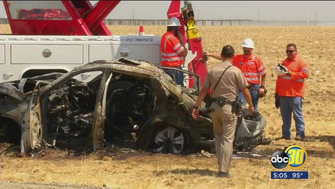 Five dead in crash on HWY 33 south of Mendota