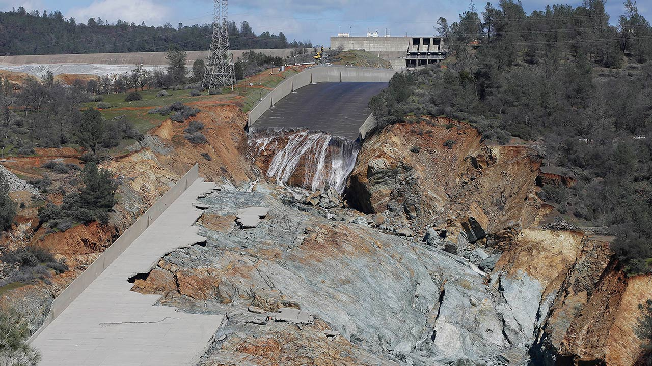 VIDEO: Before and after the Oroville dam near-disaster | abc30 com