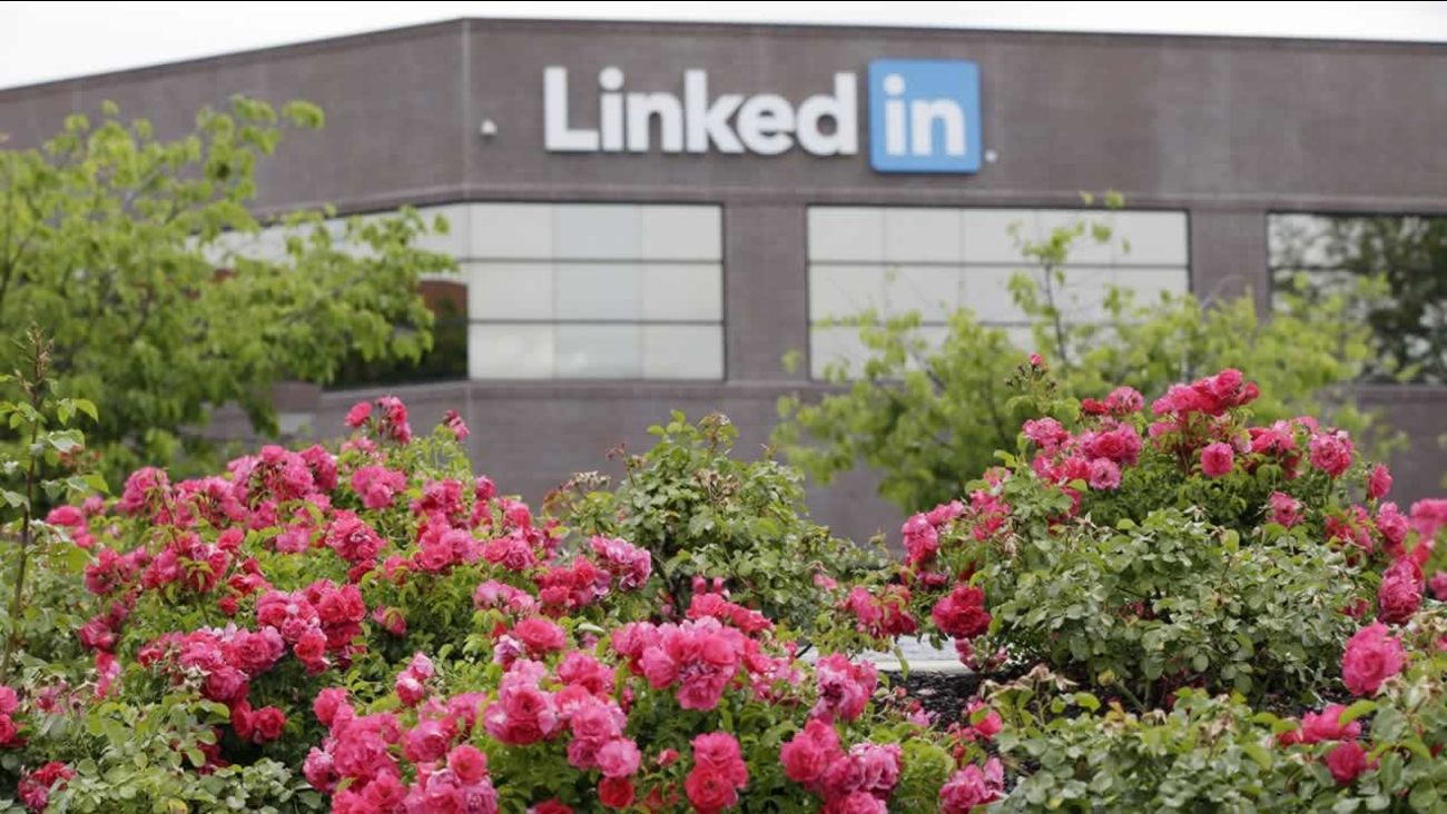 Flowers bloom outside of LinkedIn headquarters on Thursday, May 8, 2014, in Mountain View , Calif. (AP Photo/Marcio Jose Sanchez)