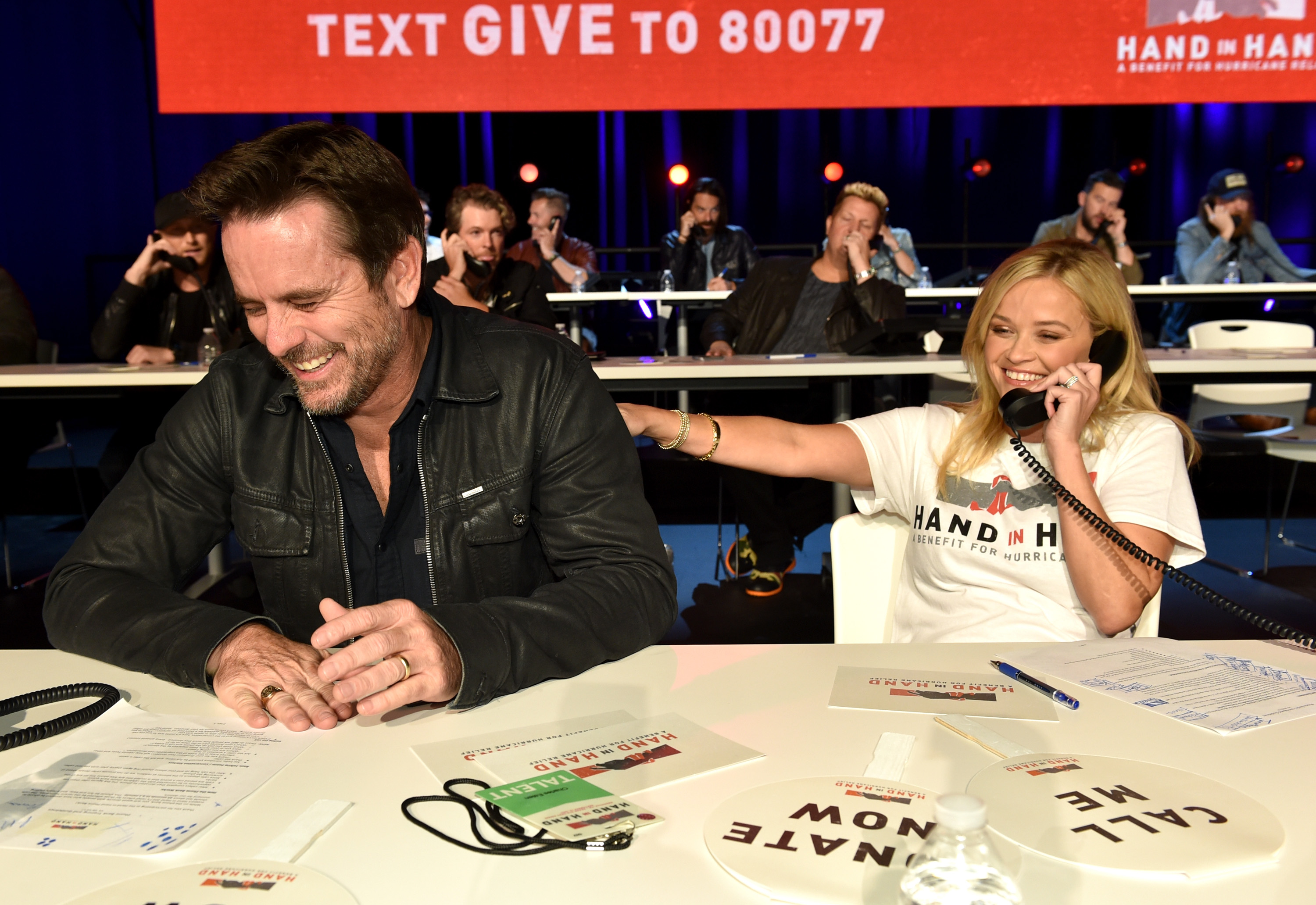"""<div class=""""meta image-caption""""><div class=""""origin-logo origin-image none""""><span>none</span></div><span class=""""caption-text"""">Charles Esten and Reese Witherspoon attend Hand in Hand: A Benefit for Hurricane Relief at the Grand Ole Opry House on September 12, 2017 in Nashville, Tennessee. (John Shearer/Hand in Hand/Getty Images)</span></div>"""