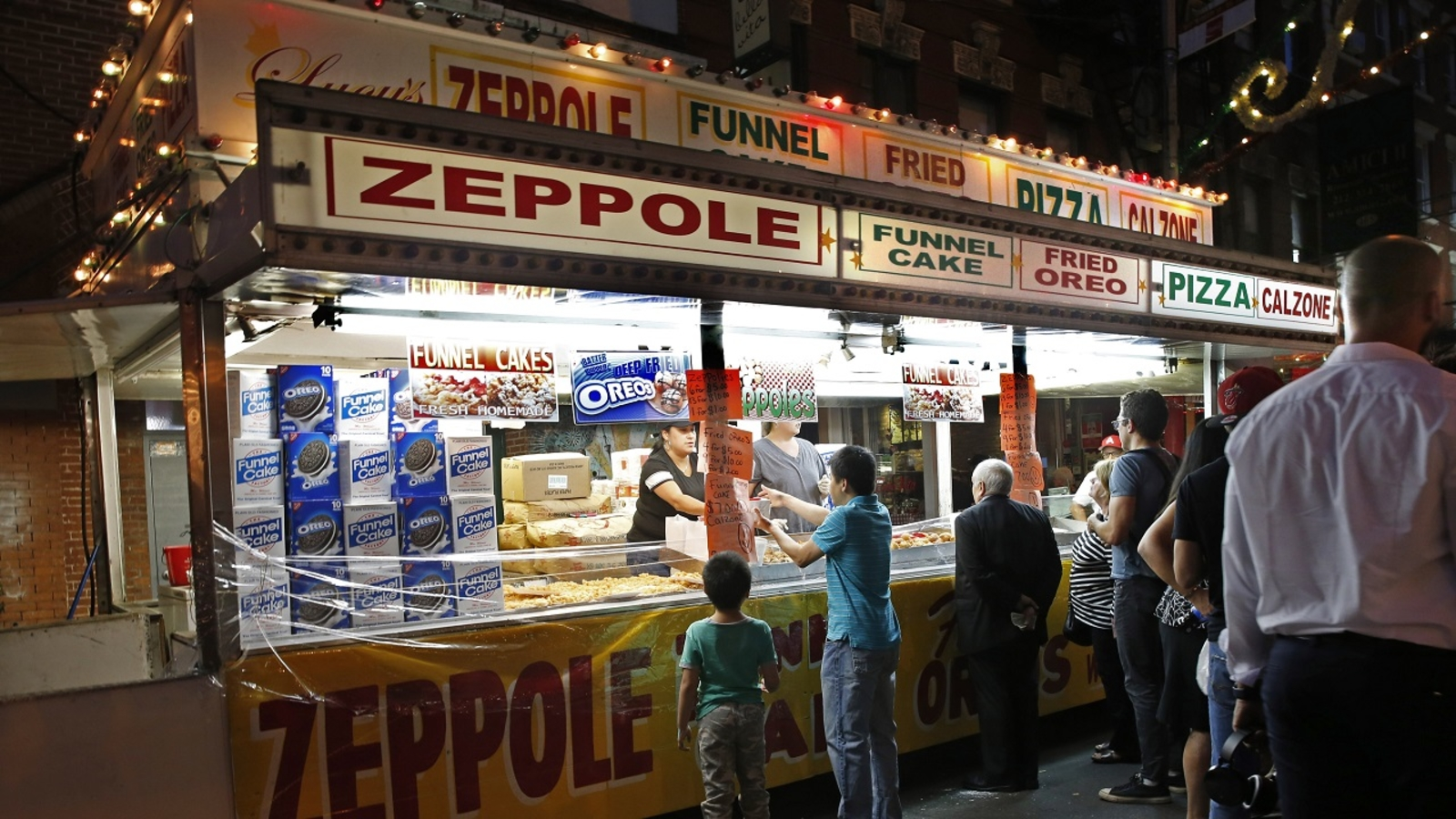 Cannoli time! Feast of San Gennaro kicks off in Little Italy