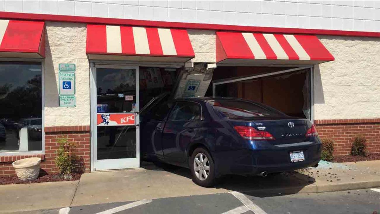 Vehicle strikes KFC on Cliffdale Road