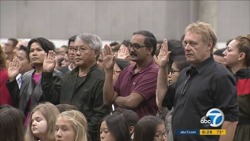 Thousands sworn in as US citizens at naturalization ceremony