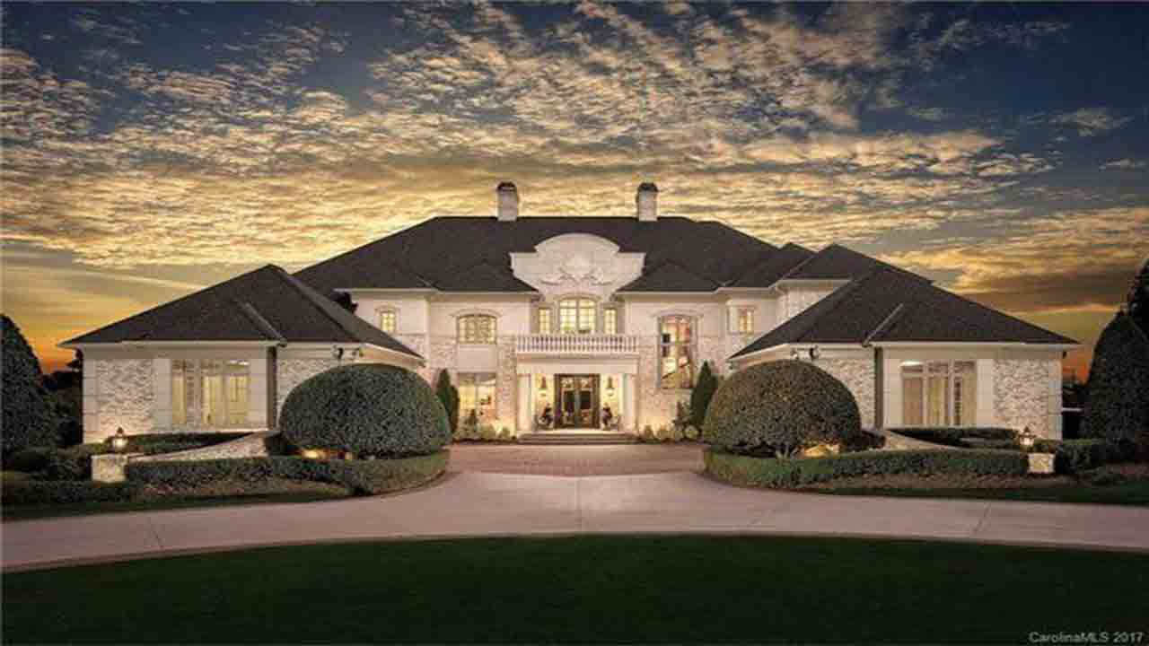Lord baby Jesus, the Talladega Nights house is for sale!