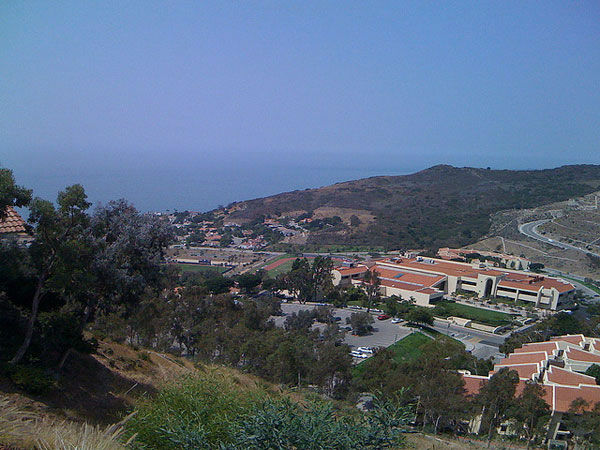 "<div class=""meta image-caption""><div class=""origin-logo origin-image ""><span></span></div><span class=""caption-text"">2. Pepperdine University, in Malibu, Calif. (Flickr, Chen Yang)</span></div>"