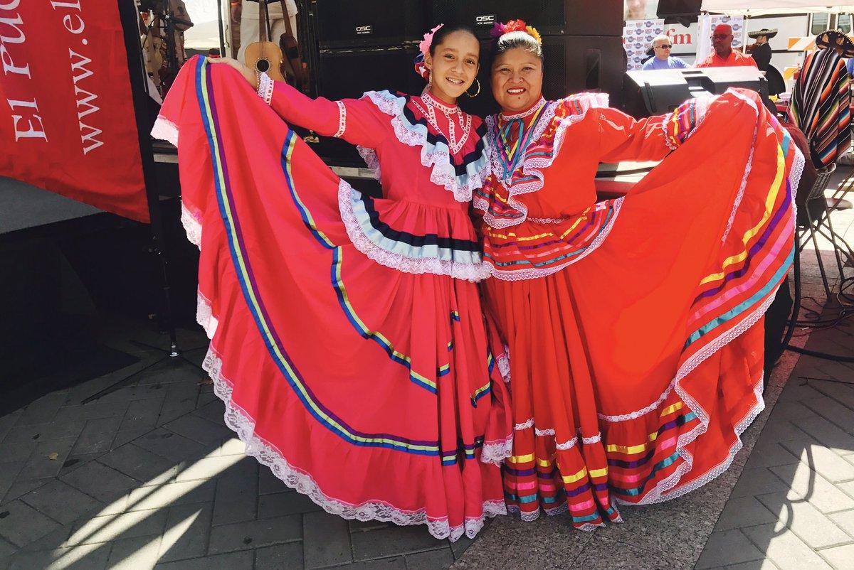 "<div class=""meta image-caption""><div class=""origin-logo origin-image none""><span>none</span></div><span class=""caption-text"">La Fiesta del Pueblo 2017 (Gloria Rodriguez/Twitter)</span></div>"