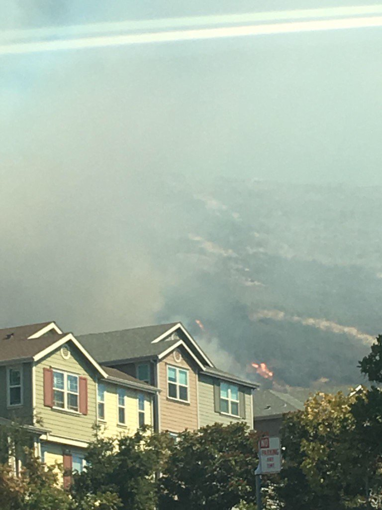 "<div class=""meta image-caption""><div class=""origin-logo origin-image none""><span>none</span></div><span class=""caption-text"">A fire in the Oakland Hills is seen from a nearby neighborhood on Tuesday, Sept. 26, 2017. (Marlon Harrison)</span></div>"