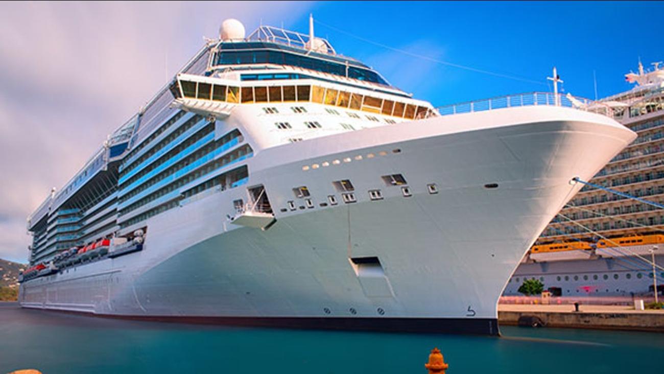 Royal Caribbean sends cruise ship to help Puerto Rico ...