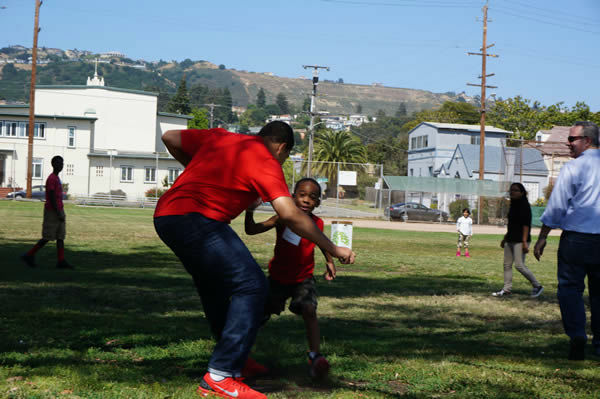 "<div class=""meta image-caption""><div class=""origin-logo origin-image ""><span></span></div><span class=""caption-text"">To design the new playground at Concordia Park, we called in the experts...Kids, parents and community members from the Millsmont neighborhood in Oakland! (Photo/KGO Photo)</span></div>"