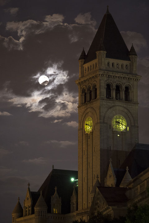 "<div class=""meta image-caption""><div class=""origin-logo origin-image ""><span></span></div><span class=""caption-text"">In this Sunday, Aug. 10, 2014 photo provided by NASA, a perigee full moon or supermoon is seen over the Old Post Office and Clock Tower, in Washington. (AP Photo/NASA, Bill Ingalls)</span></div>"